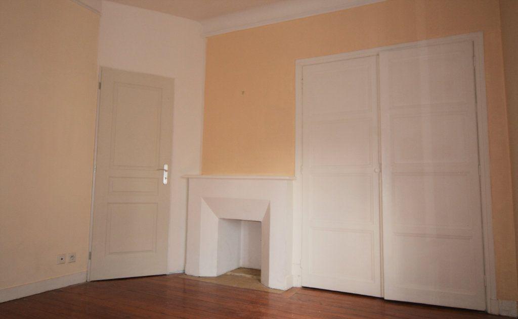 Appartement à louer 1 31.7m2 à Abbeville vignette-3