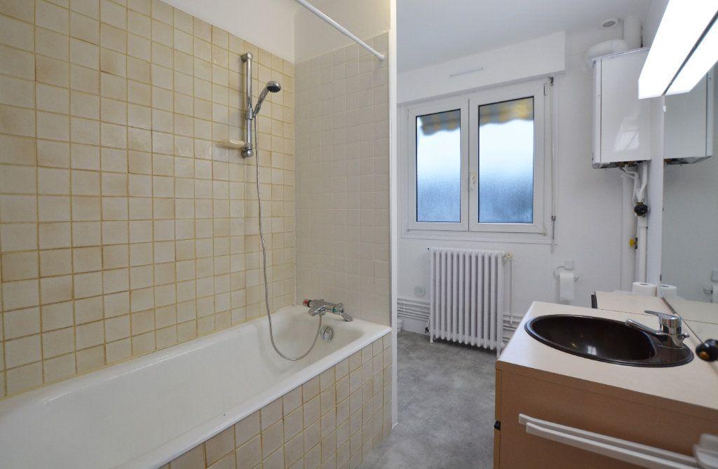 Appartement à louer 3 81.93m2 à Abbeville vignette-6