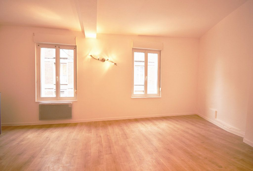 Appartement à louer 2 42.6m2 à Abbeville vignette-1