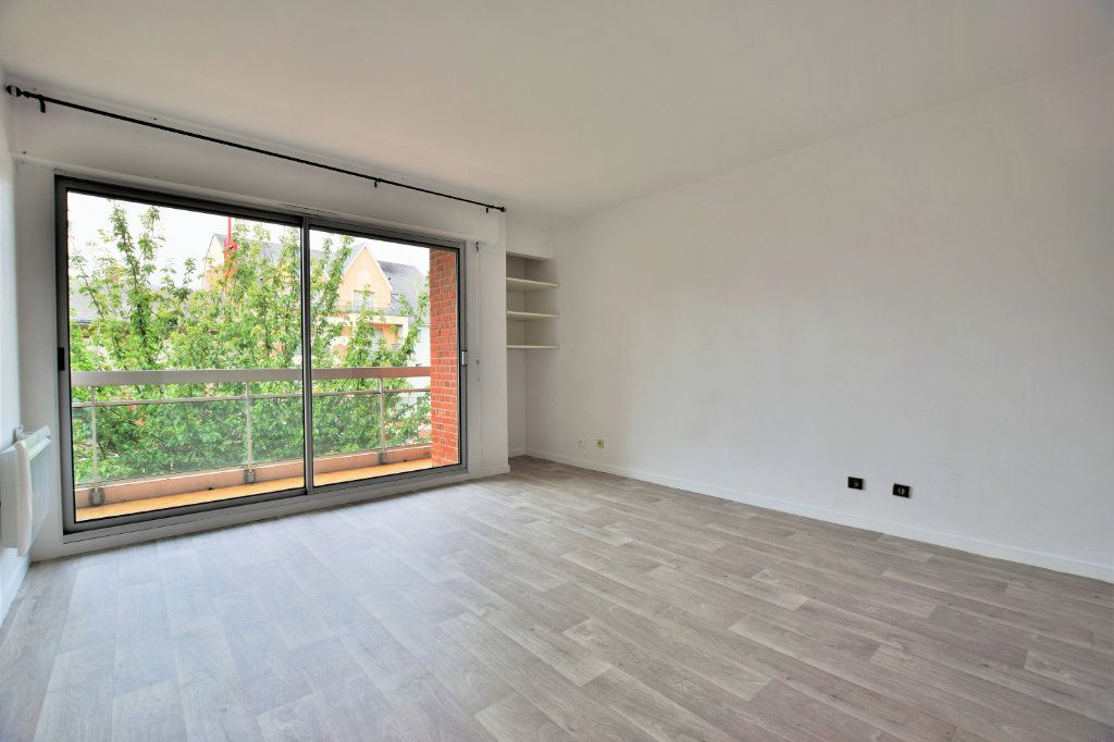 Appartement à louer 1 25.98m2 à Abbeville vignette-1