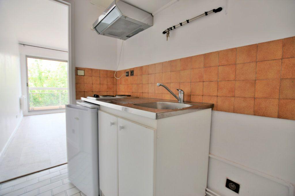 Appartement à louer 1 25.98m2 à Abbeville vignette-2