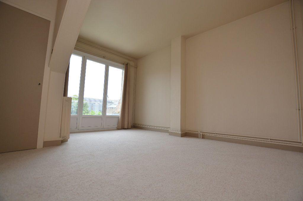 Appartement à louer 4 130m2 à Abbeville vignette-7