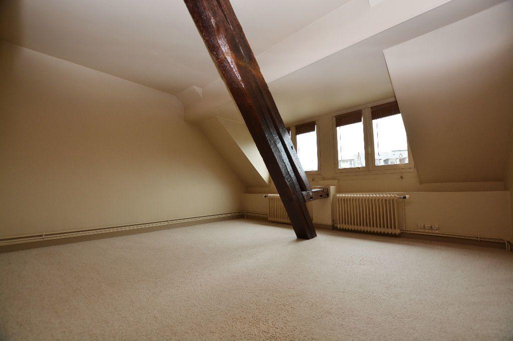 Appartement à louer 4 130m2 à Abbeville vignette-8