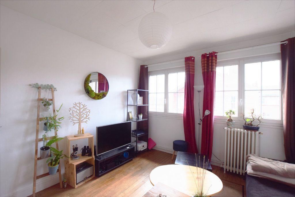 Appartement à louer 2 38.1m2 à Abbeville vignette-1