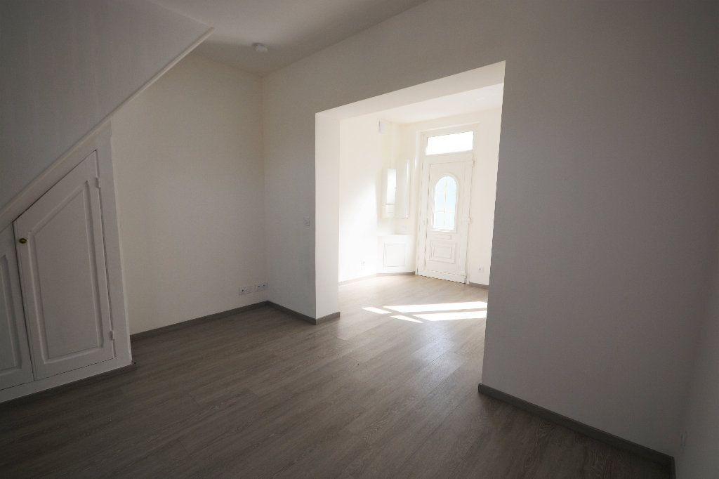 Maison à louer 4 56.25m2 à Abbeville vignette-2