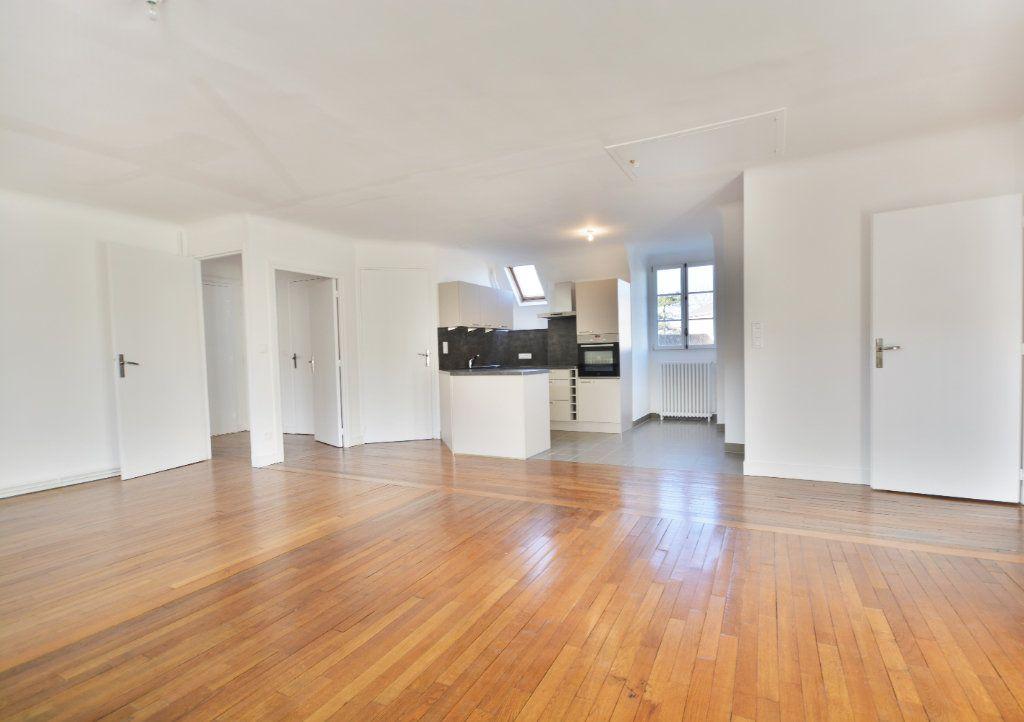 Appartement à louer 4 115.8m2 à Abbeville vignette-1
