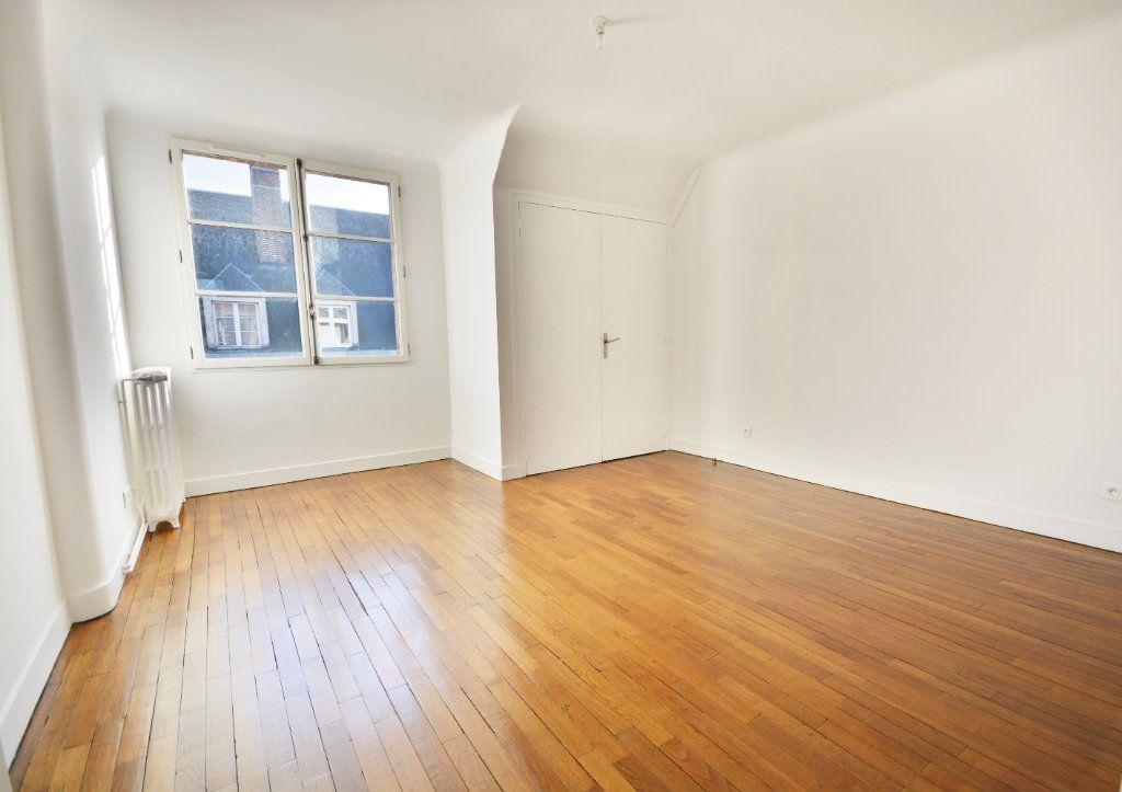 Appartement à louer 4 115.8m2 à Abbeville vignette-5