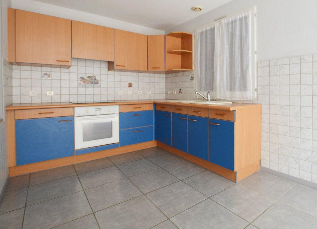 Appartement à louer 3 81.39m2 à Abbeville vignette-2