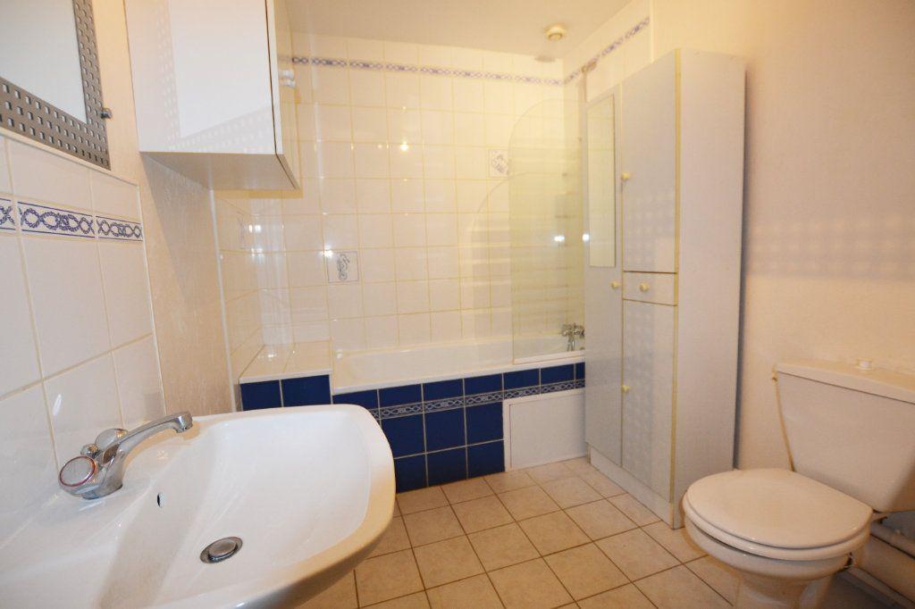 Appartement à louer 3 81.39m2 à Abbeville vignette-3