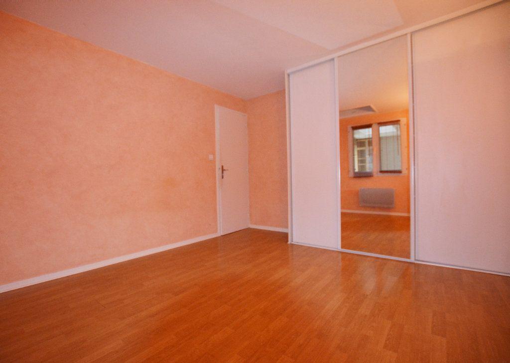Appartement à louer 3 81.39m2 à Abbeville vignette-4