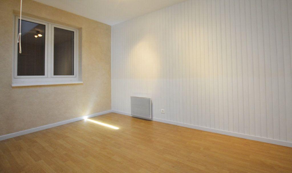 Appartement à louer 3 81.39m2 à Abbeville vignette-5