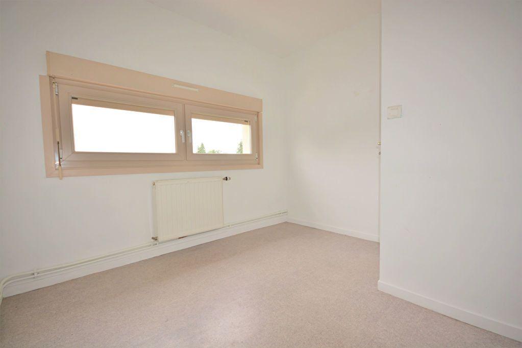 Appartement à louer 4 69.16m2 à Condé-Folie vignette-5