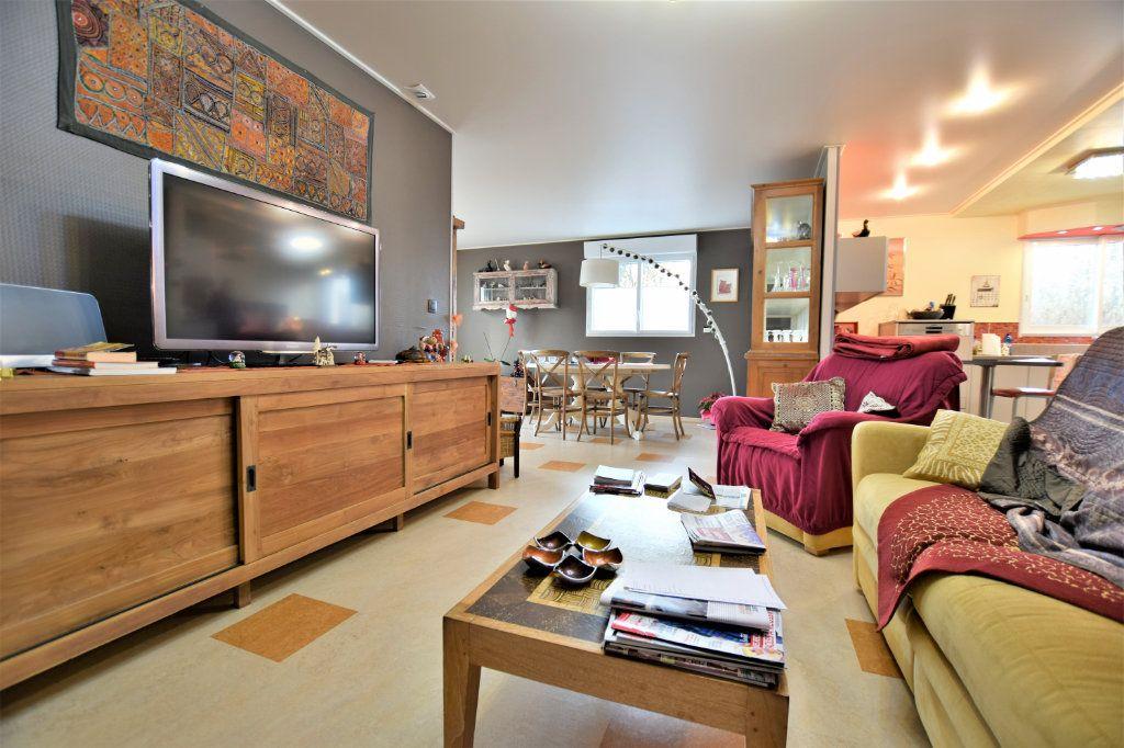 Maison à vendre 6 182m2 à Rue vignette-1