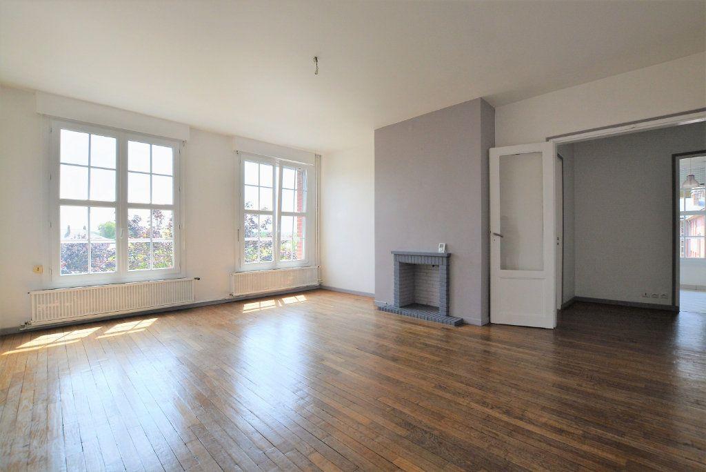 Appartement à louer 3 86.09m2 à Abbeville vignette-1