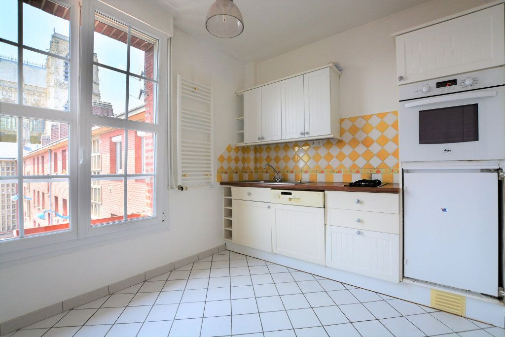 Appartement à louer 3 86.09m2 à Abbeville vignette-2