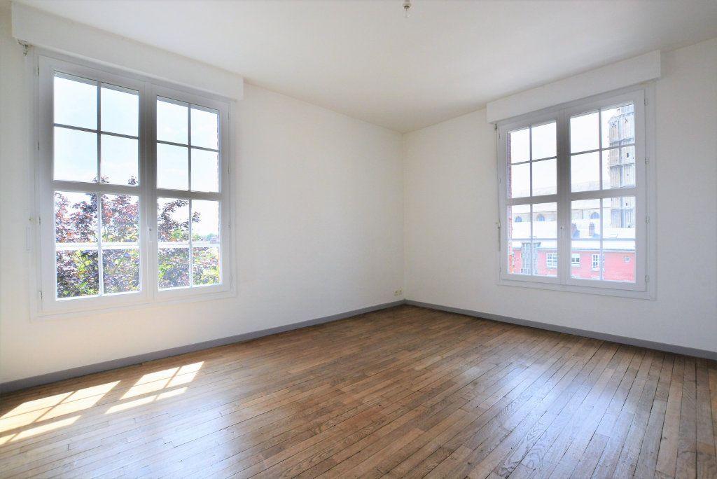 Appartement à louer 3 86.09m2 à Abbeville vignette-3