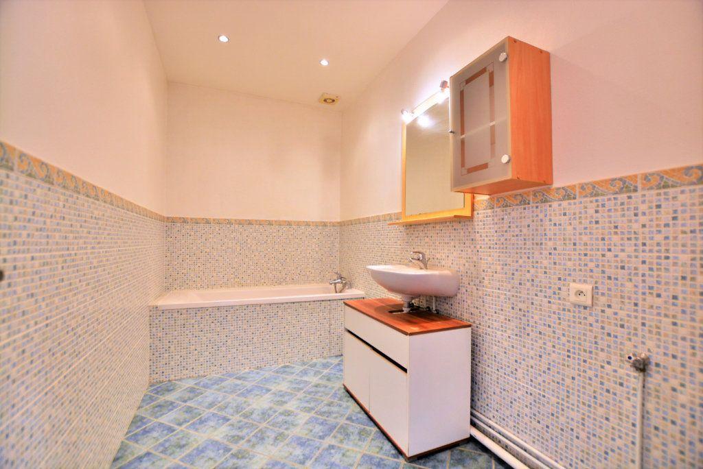 Appartement à louer 3 86.09m2 à Abbeville vignette-4