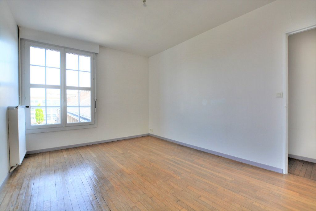 Appartement à louer 3 86.09m2 à Abbeville vignette-5