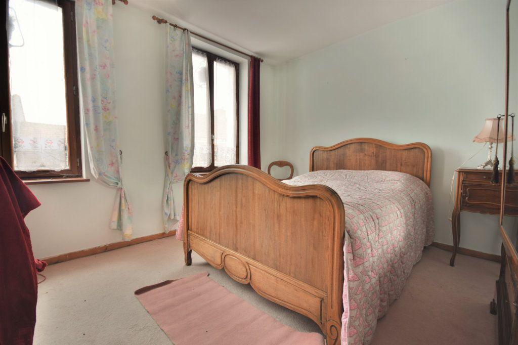 Maison à vendre 6 127.75m2 à Crécy-en-Ponthieu vignette-5