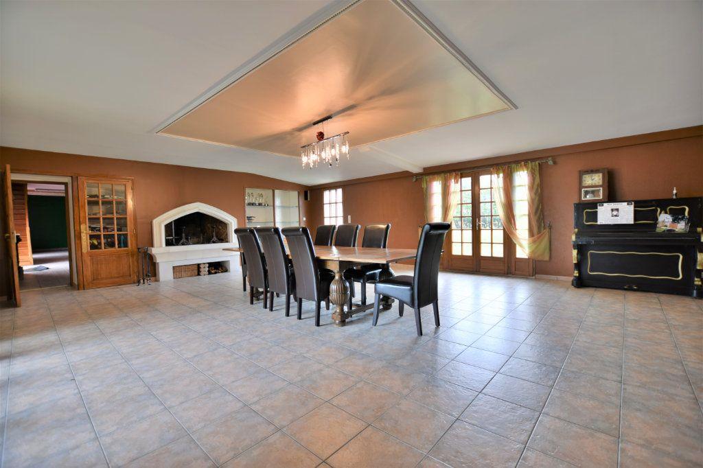 Maison à vendre 12 525.64m2 à Rue vignette-1