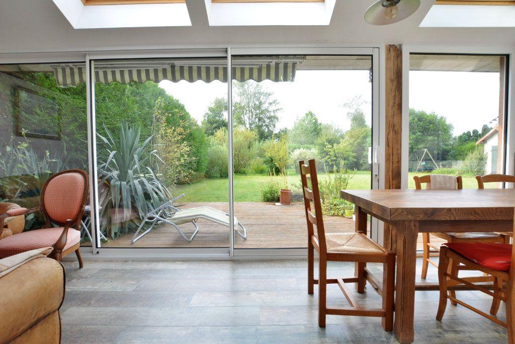 Maison à vendre 7 136.51m2 à Favières vignette-2