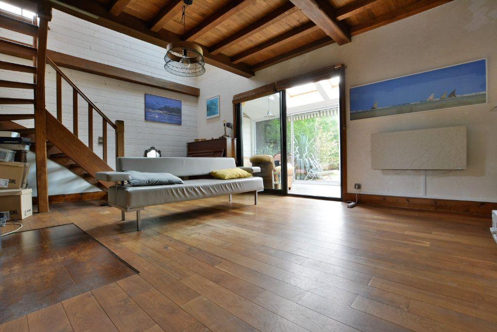 Maison à vendre 7 136.51m2 à Favières vignette-5