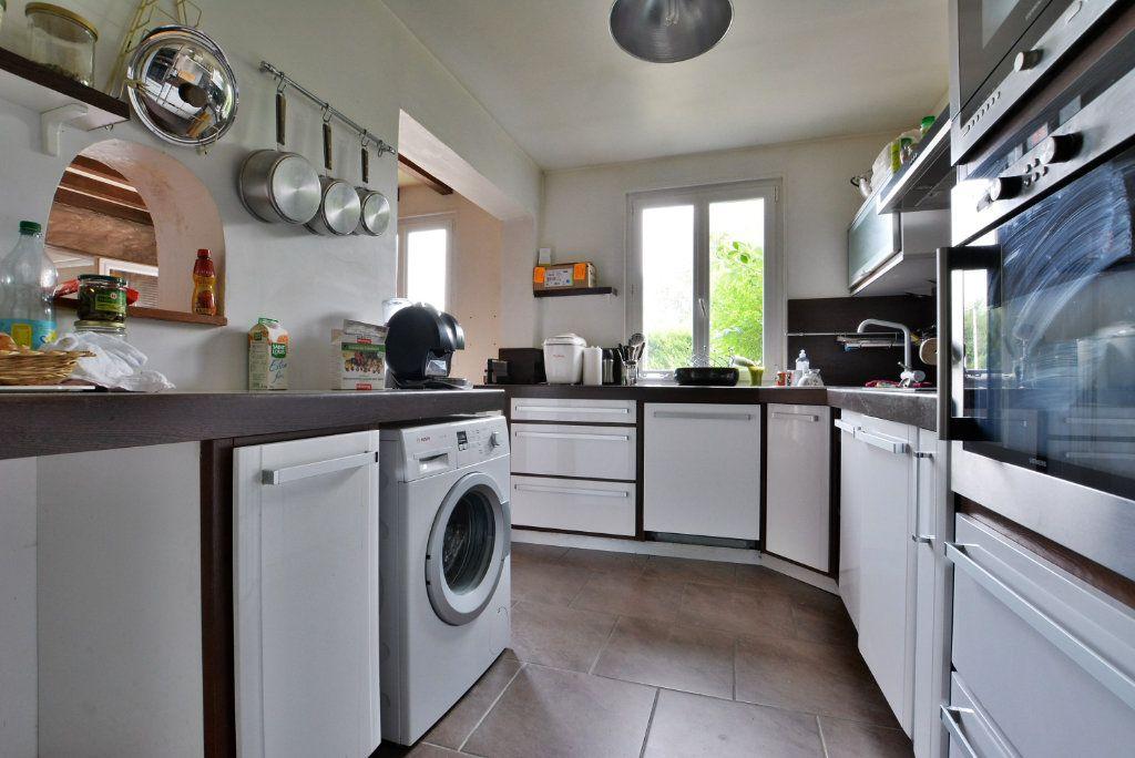 Maison à vendre 7 136.51m2 à Favières vignette-6