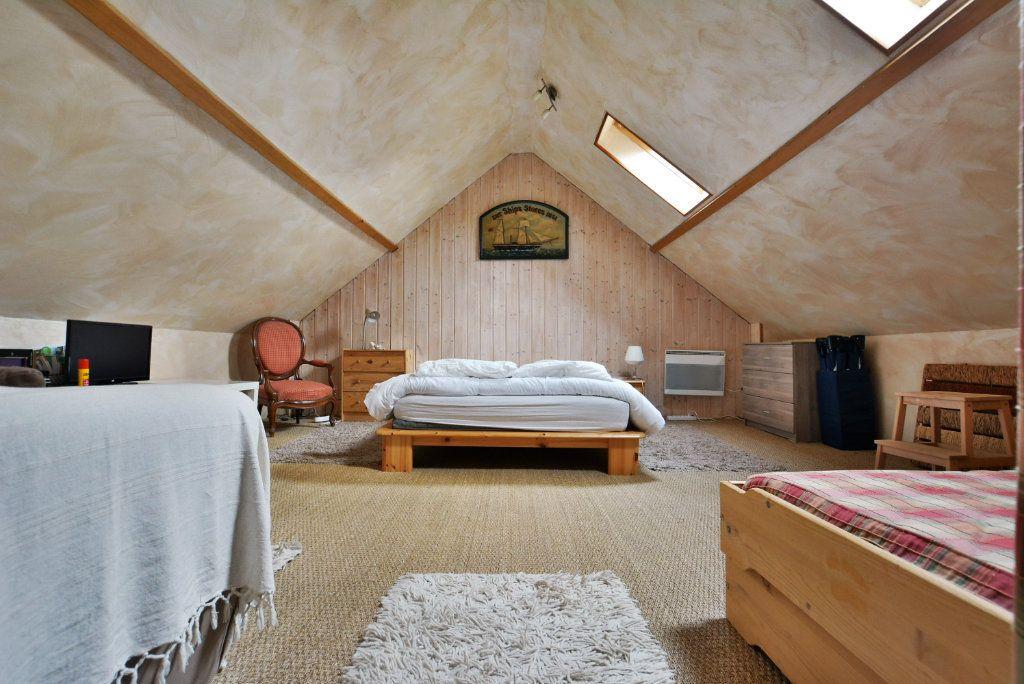 Maison à vendre 7 136.51m2 à Favières vignette-7