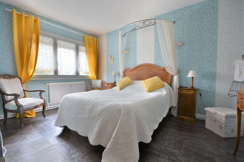Maison à vendre 9 315m2 à Buigny-Saint-Maclou vignette-8