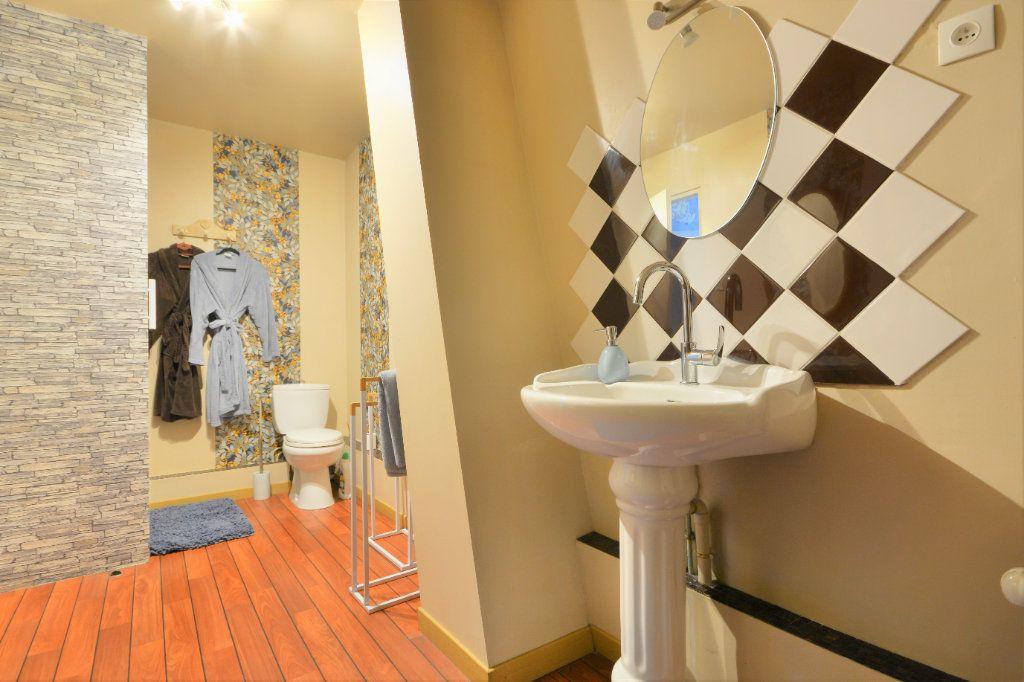 Maison à vendre 9 315m2 à Buigny-Saint-Maclou vignette-10