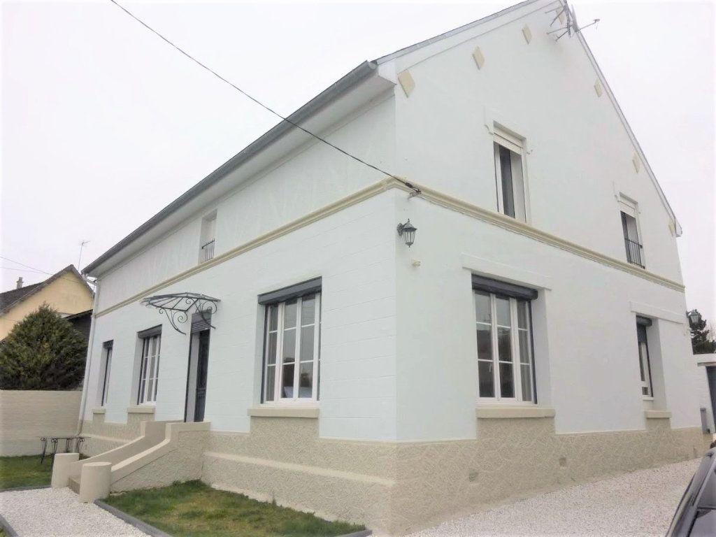 Maison à vendre 7 180.8m2 à Rue vignette-1
