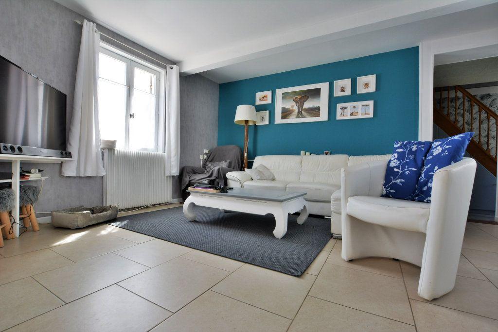 Maison à vendre 7 140m2 à Rue vignette-3