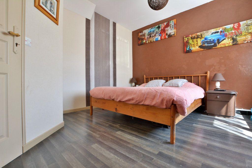 Maison à vendre 7 140m2 à Rue vignette-5