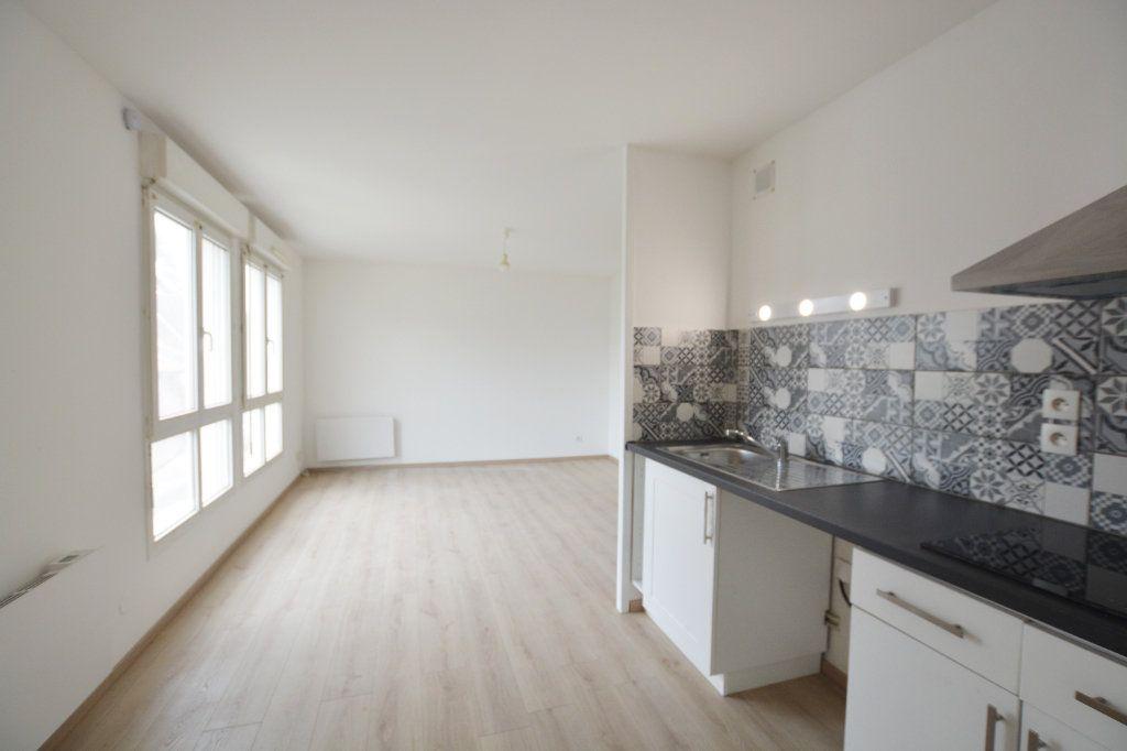 Appartement à louer 2 47.6m2 à Abbeville vignette-4