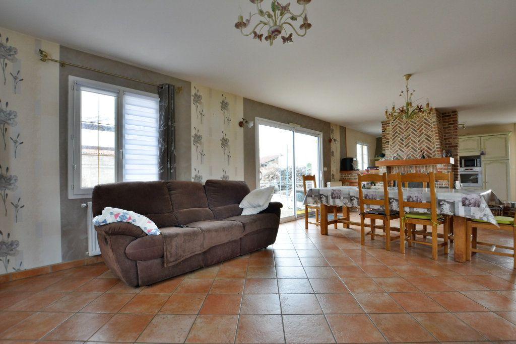 Maison à vendre 5 126.35m2 à Rue vignette-1