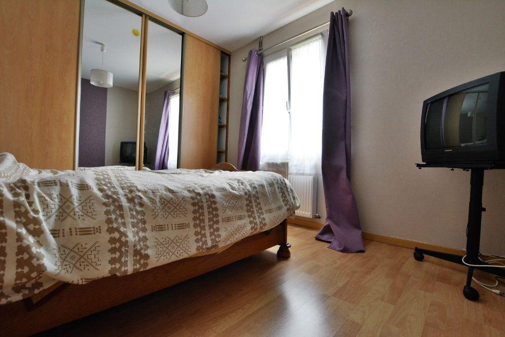 Maison à vendre 5 126.35m2 à Rue vignette-4