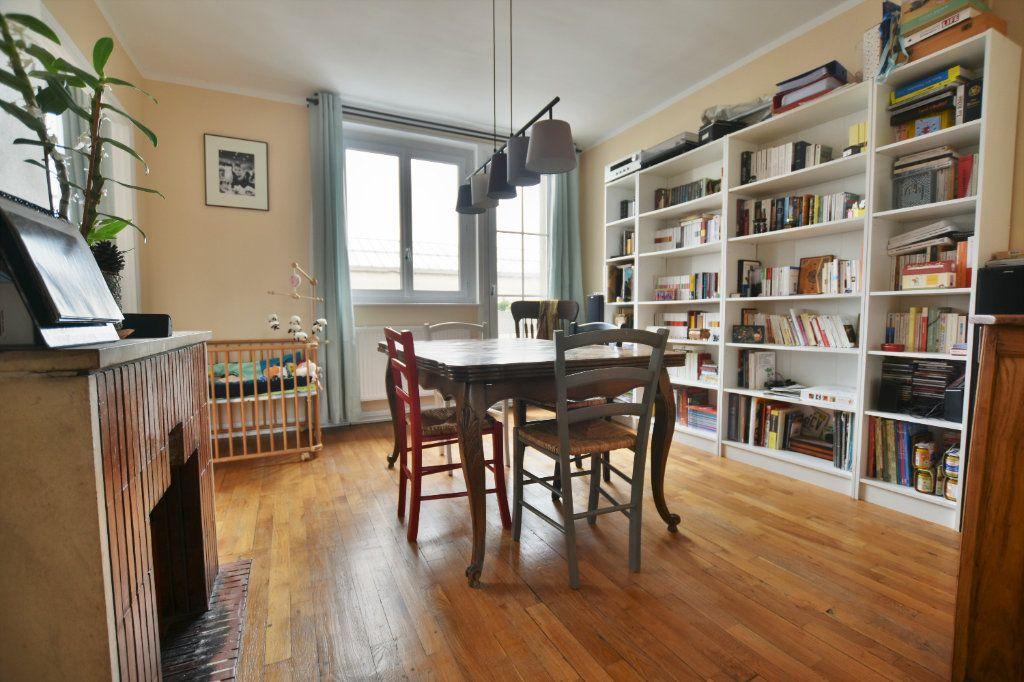 Appartement à louer 3 64.31m2 à Abbeville vignette-2