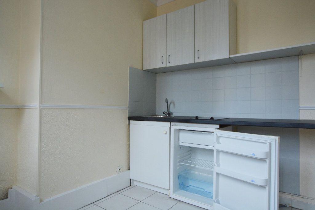 Appartement à louer 1 28.35m2 à Abbeville vignette-2