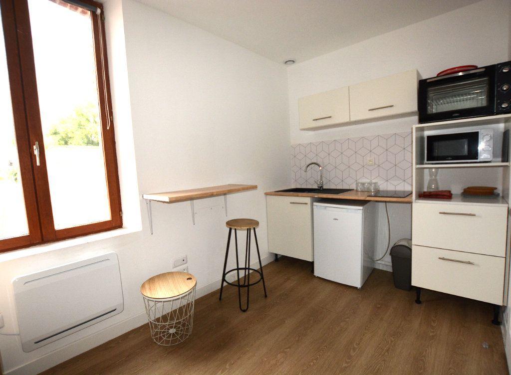 Appartement à louer 1 14.11m2 à Abbeville vignette-3