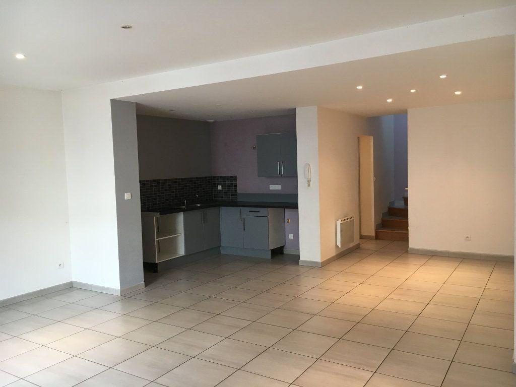 Maison à louer 3 81.2m2 à Rochefort vignette-1