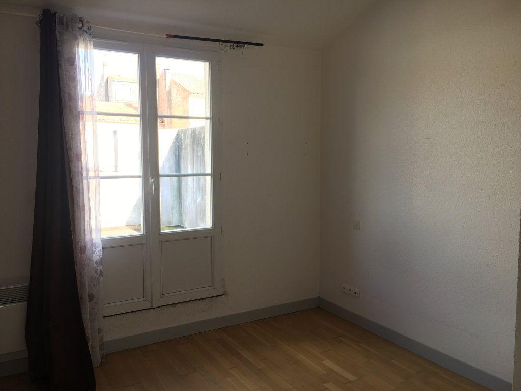 Maison à louer 3 81.2m2 à Rochefort vignette-5