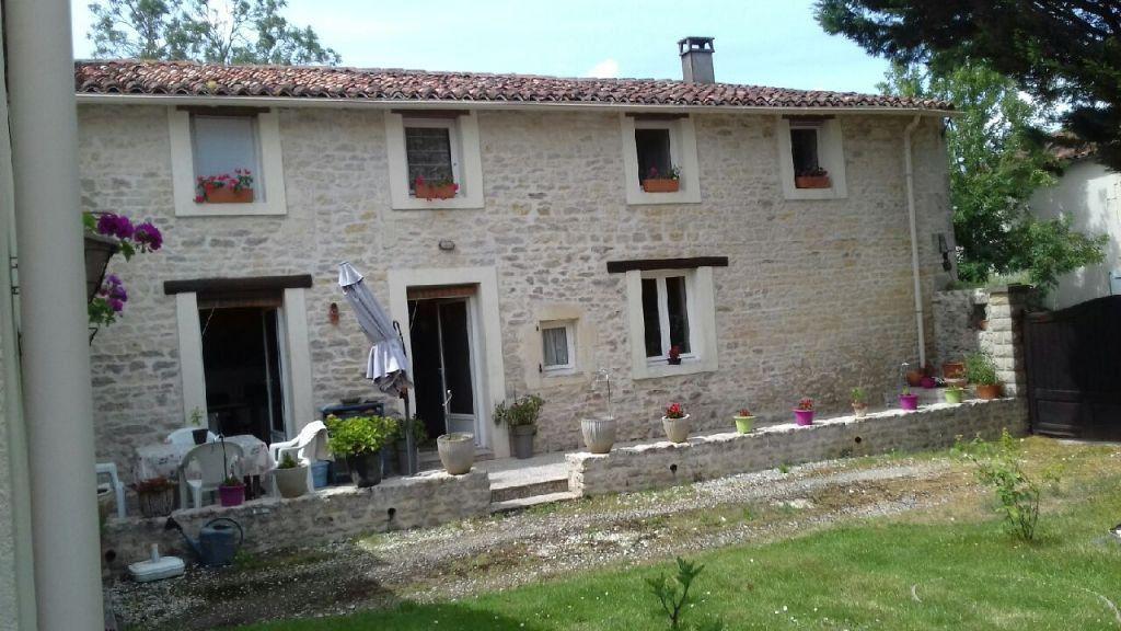 Maison à vendre 7 230m2 à Tonnay-Boutonne vignette-1