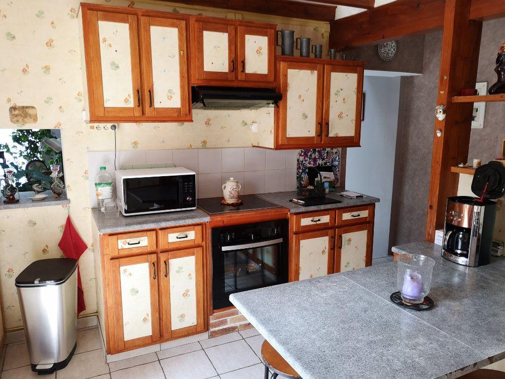 Maison à vendre 7 230m2 à Tonnay-Boutonne vignette-3