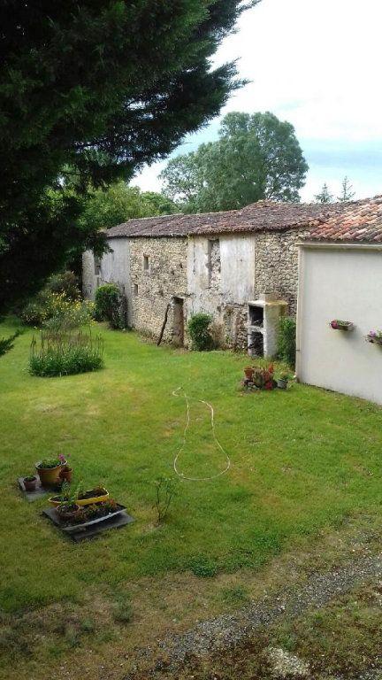 Maison à vendre 7 230m2 à Tonnay-Boutonne vignette-8