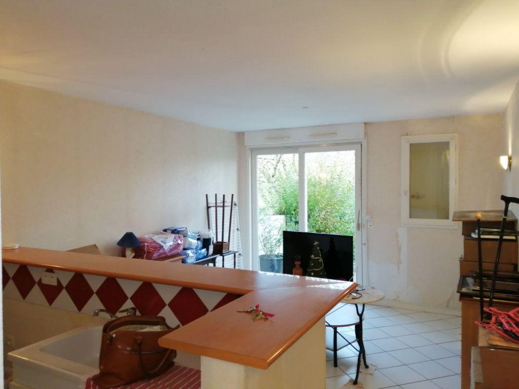 Appartement à louer 2 45.2m2 à Soubise vignette-1
