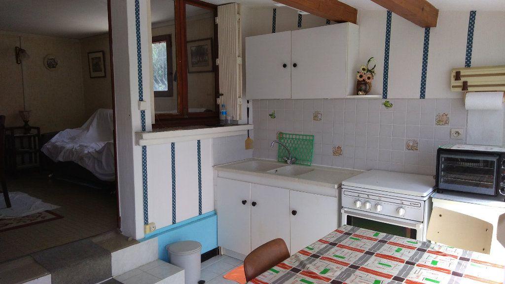Maison à vendre 4 107m2 à Échillais vignette-1