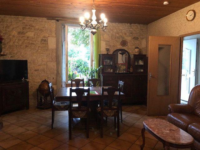 Maison à vendre 5 175m2 à Saint-Hippolyte vignette-2