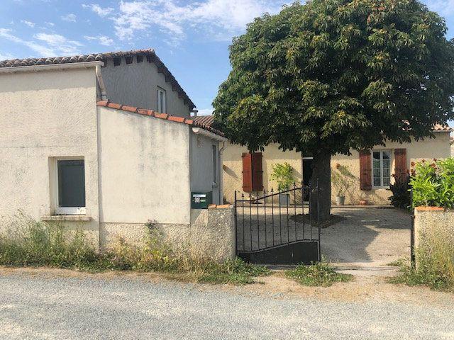 Maison à vendre 5 175m2 à Saint-Hippolyte vignette-5