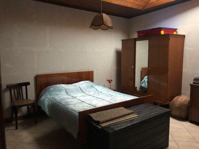 Maison à vendre 5 175m2 à Saint-Hippolyte vignette-6