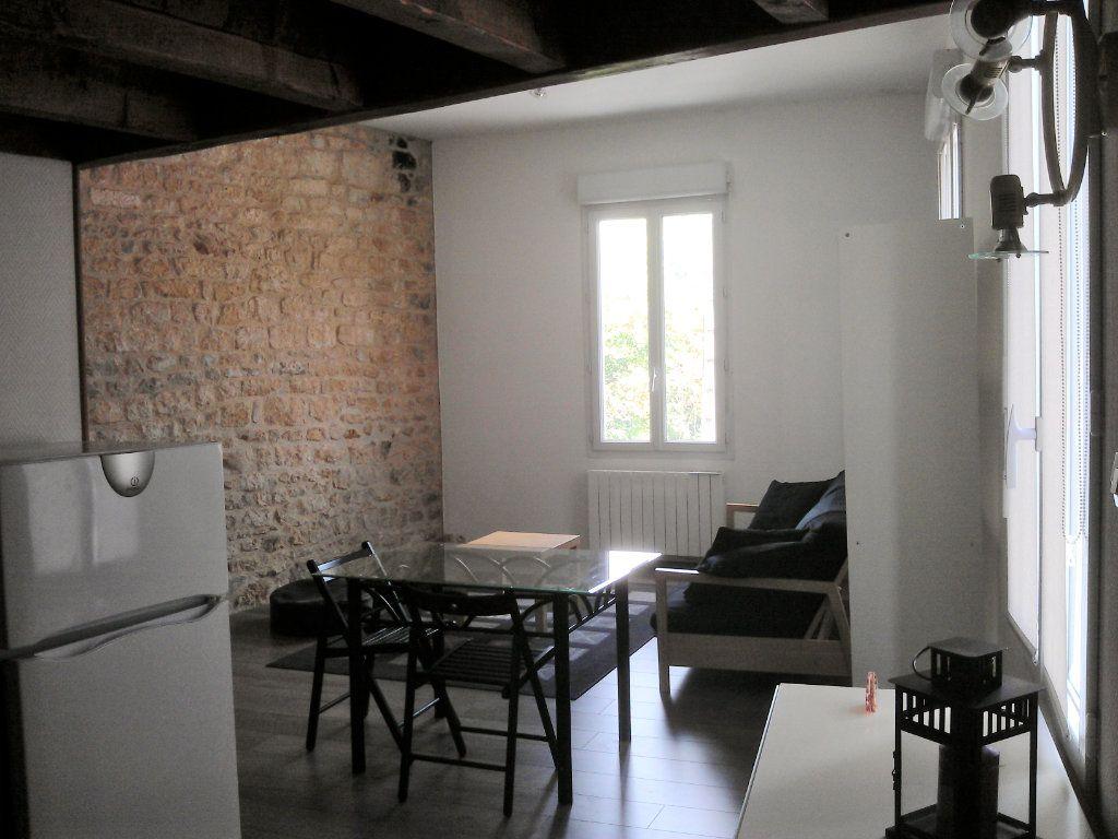 Immeuble à vendre 0 81m2 à Rochefort vignette-4